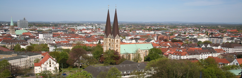 Bielefeld - Stadtpanorama von der Sparrenburg